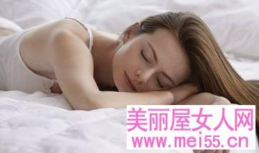 健康提醒:女性白领睡懒觉的五大危害!
