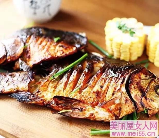香辣烤鱼自己做,又嫩又辣