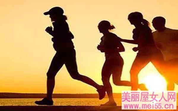 姿势正确,慢跑健身才有效