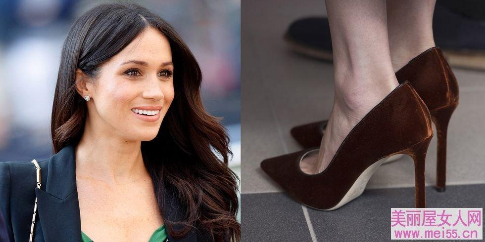 名女人们为什么爱穿大一点的高跟鞋