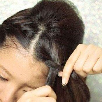 将两边的头发加入进去